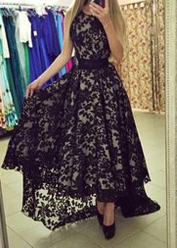 vestido preto assimétrico com renda