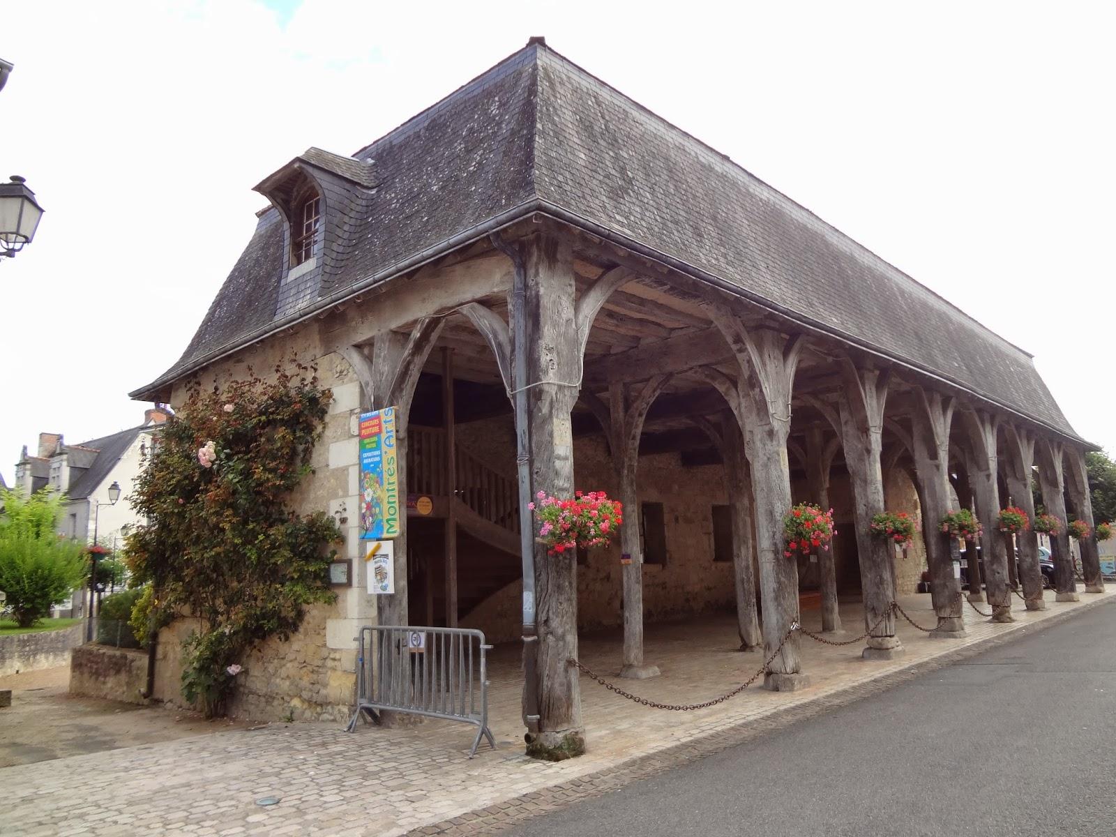 Antiguo mercado de Montrésor