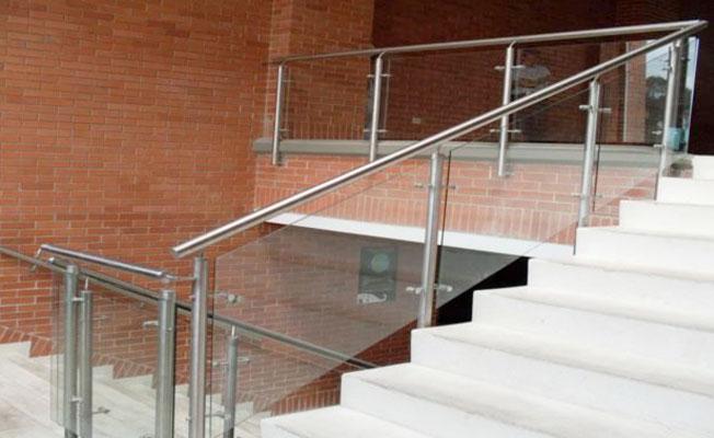 Barandas en acero inoxidable y estructural estructuras for Barandas de acero