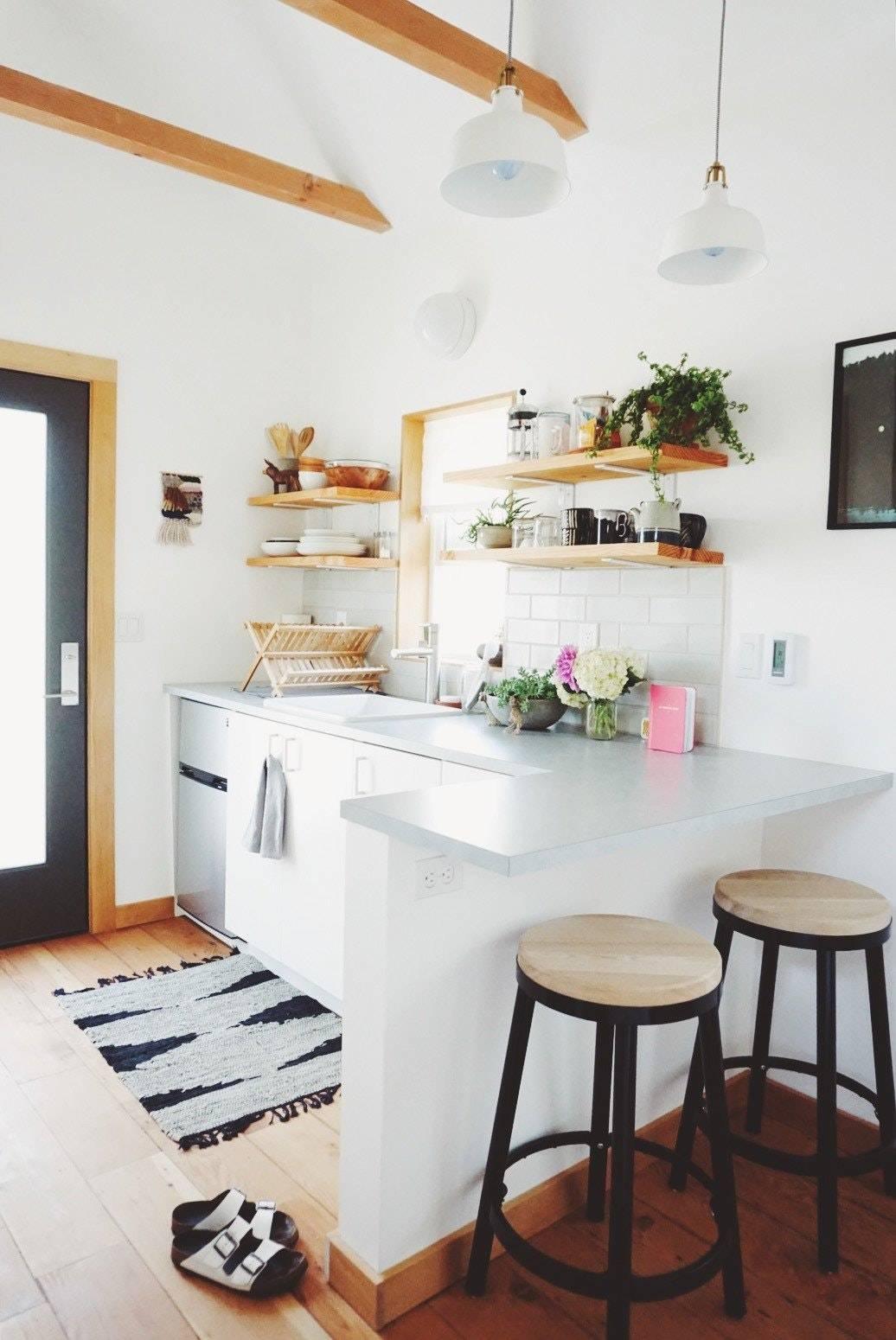 Cocinas peque as modernas y funcionales revista for Muebles para cocinas muy pequenas