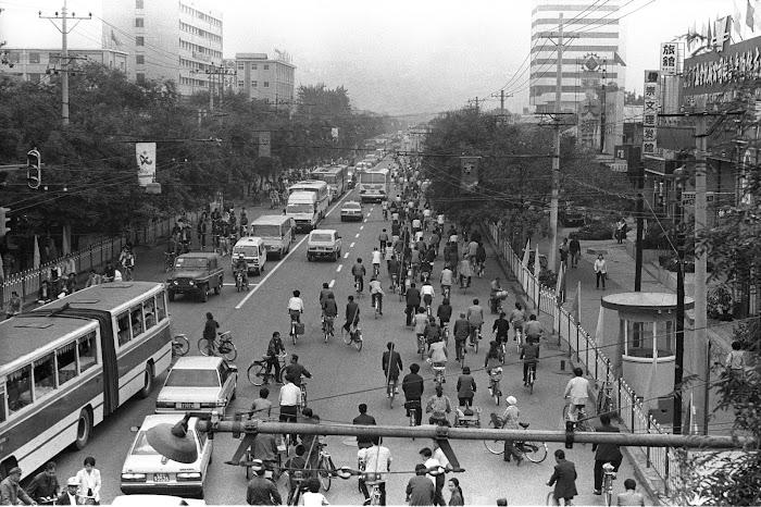 Pékin, Beijing, rue Dongdan, © L. Gigout, 1990