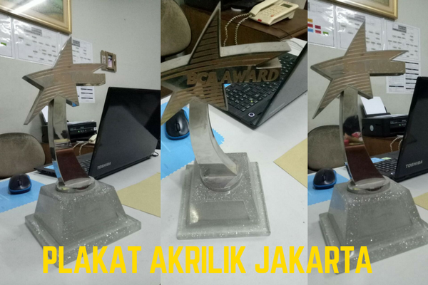 Jasa pembuatan plakat akrilik di jakarta Timur