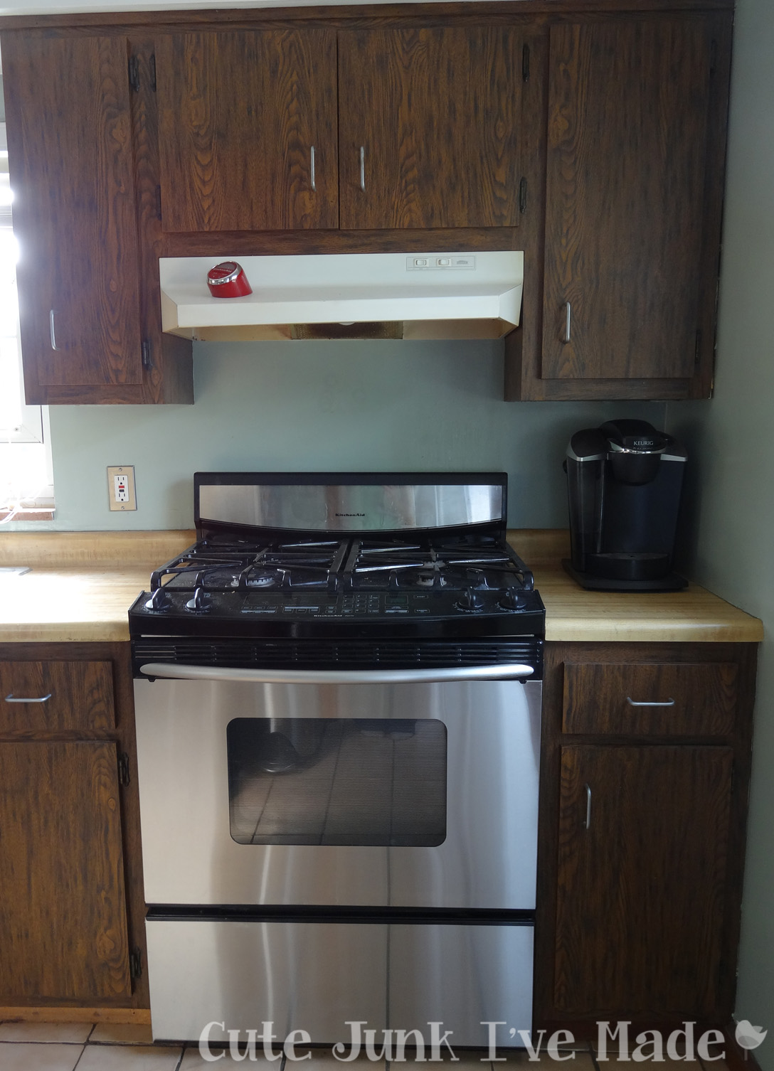 Cute junk i 39 ve made how to paint laminate cabinets part - Painting laminate bathroom cabinets ...