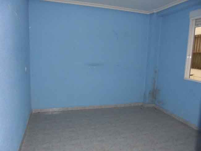 piso en venta calle montornes castellon habitacion
