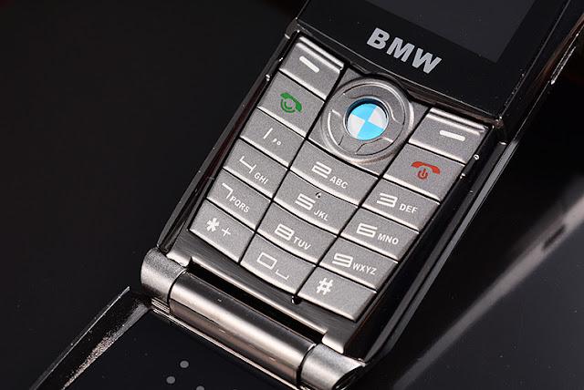Bàn phím T10 nhỏ gọn của BMW 760