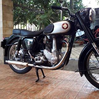Dijual Motor Tua Bsa 1956 Simpanan Engkong