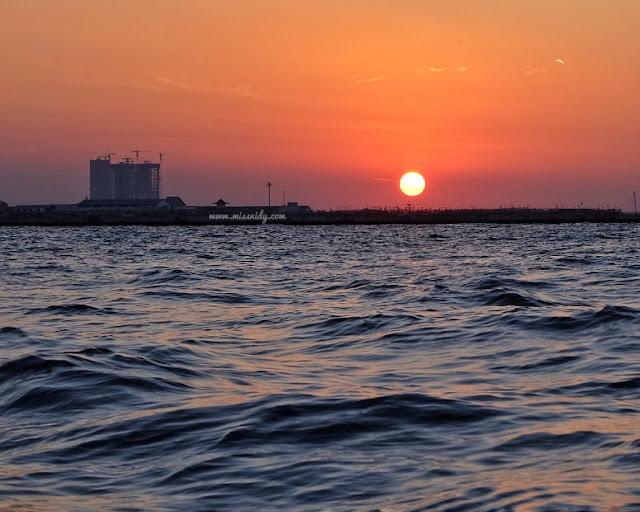 berburu keindahan sunset di jakarta