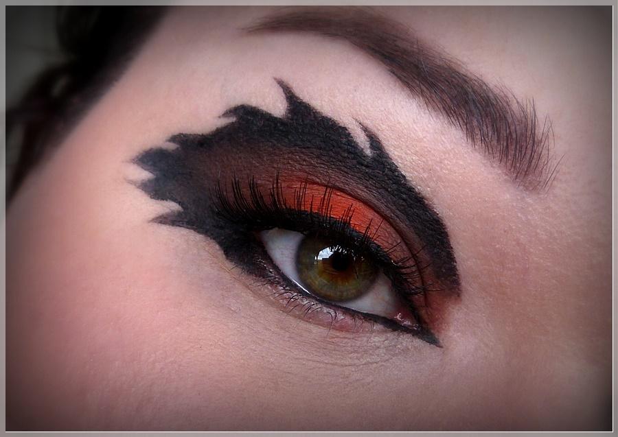 kreativer Make Up Look Scar