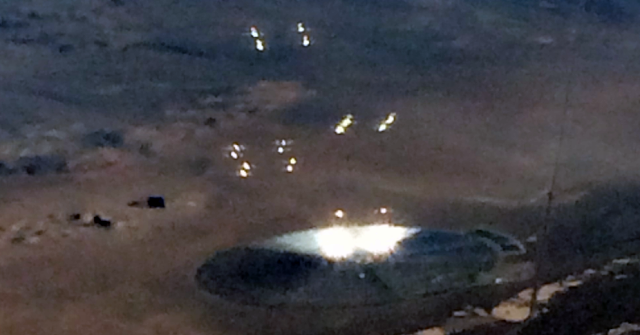 Plane Passenger Photographed A UFO On The Ground Near Area 51 👽🛸👽