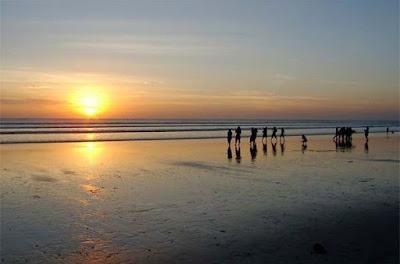 Kegiatan dan Pemandangan Alam Eksotis yang Dihadirkan oleh Pantai Kuta