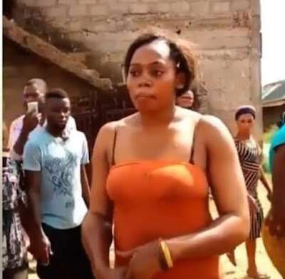 Lady Nabbed & Disgraced by Onitsha Residents While Trying To Kidnap A New Born  Baby