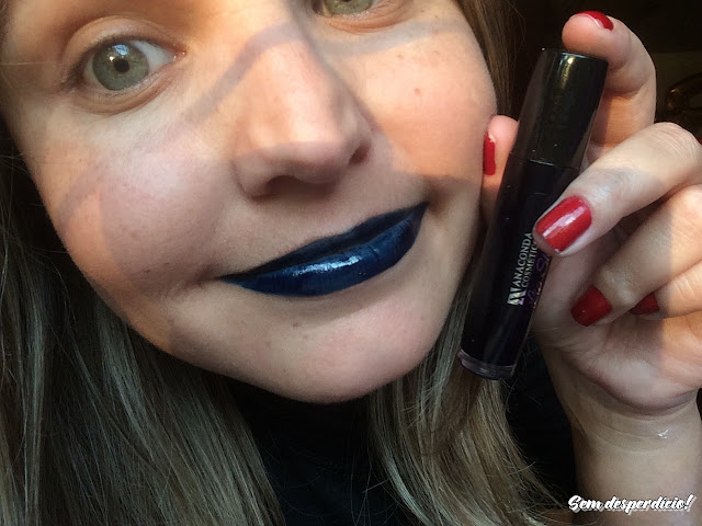 batom lip shine anaconda rave blue