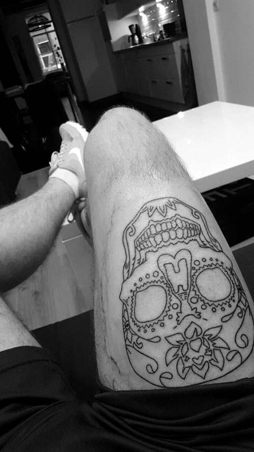 erkek üst bacak dövme modelleri man thigh tattoos 33