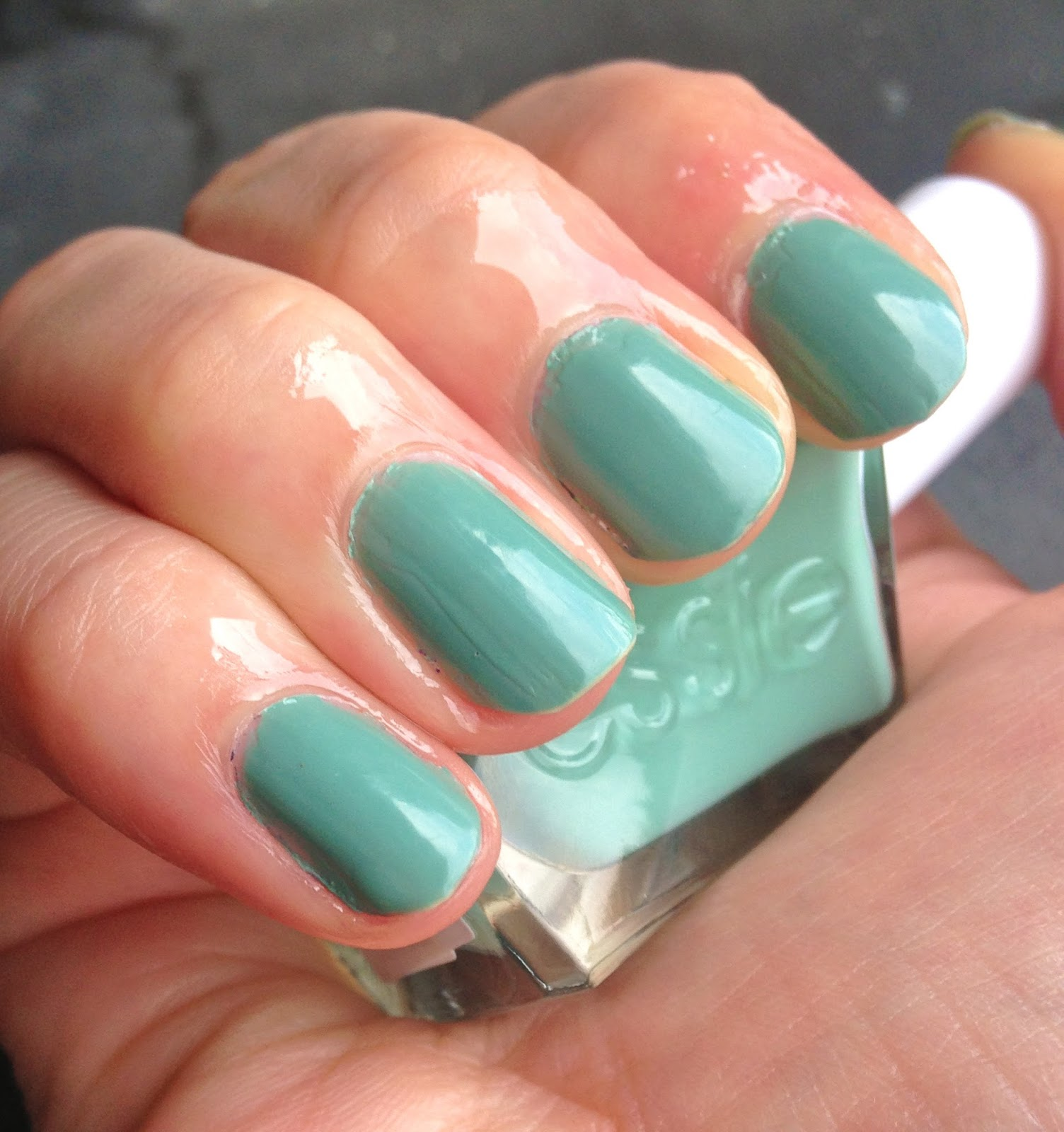 Reviews: Gel Couture Nail Polish by Essie