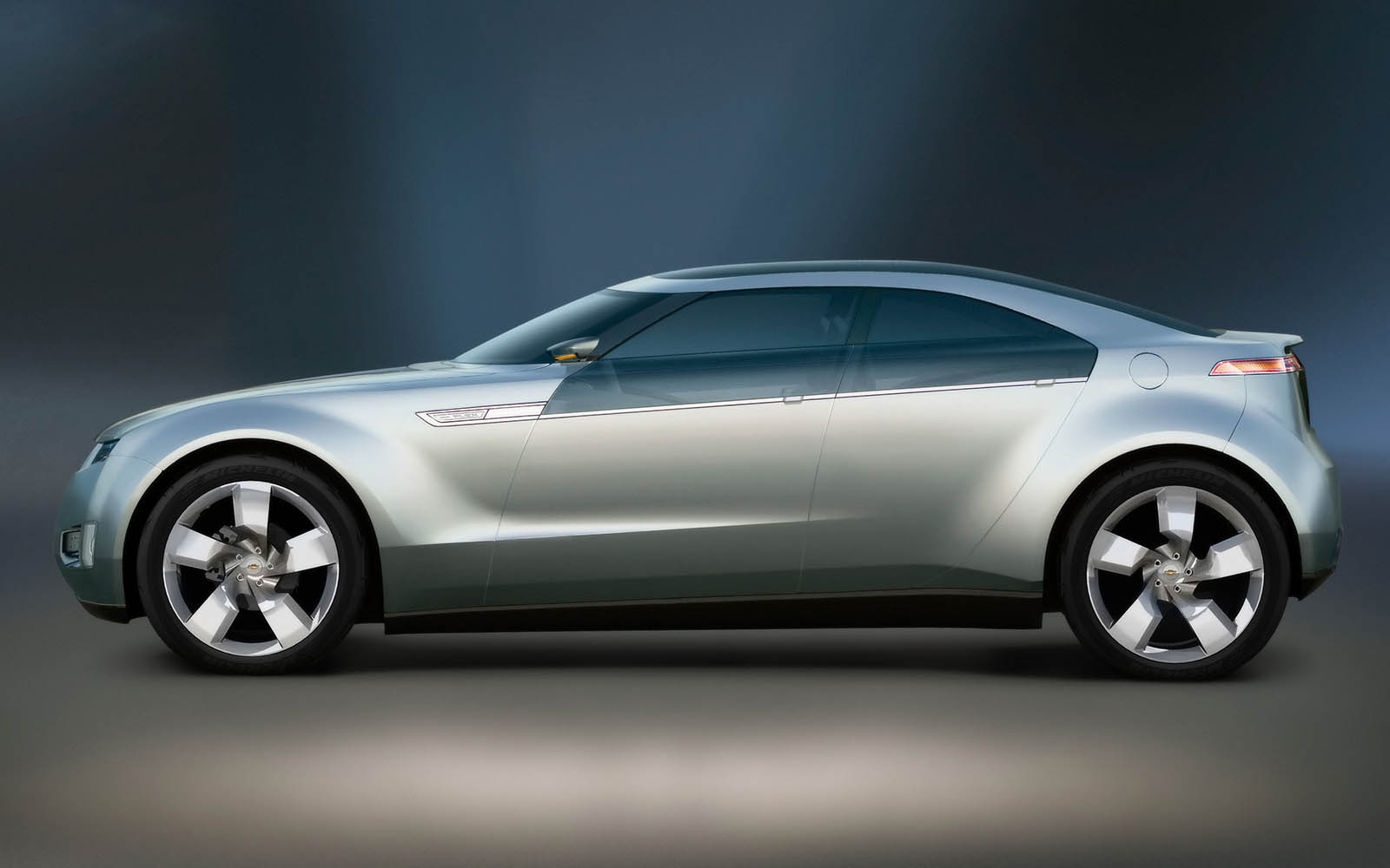 Wallpapers: Chevrolet Volt Concept Car Photos