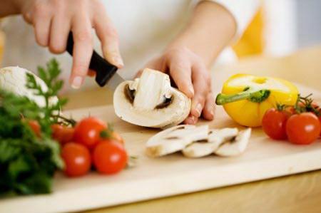 15 Điều cần tránh khi nấu ăn để bảo vệ sức khỏe