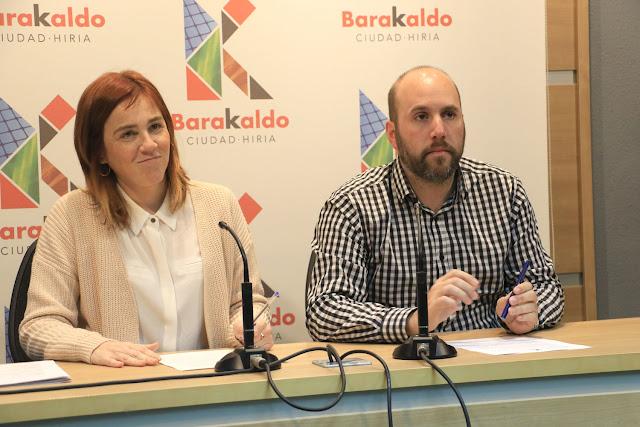 Los concejales de Cultura y de Acción Social, Nerea Cantero y Mikel Antízar, del PNV