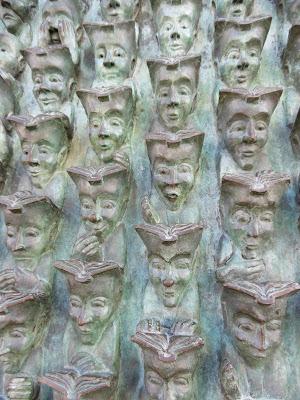 De génération en génération, bronze de Bruce Krebs, la Rochelle , malooka