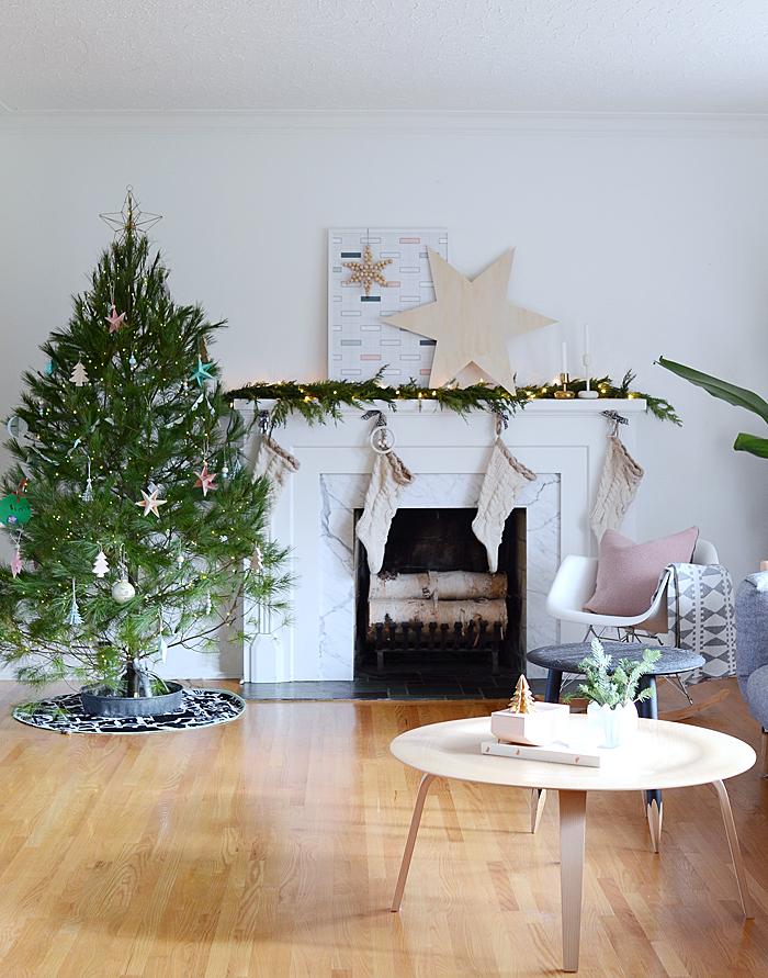 Un hogar con decoración de Navidad low cost