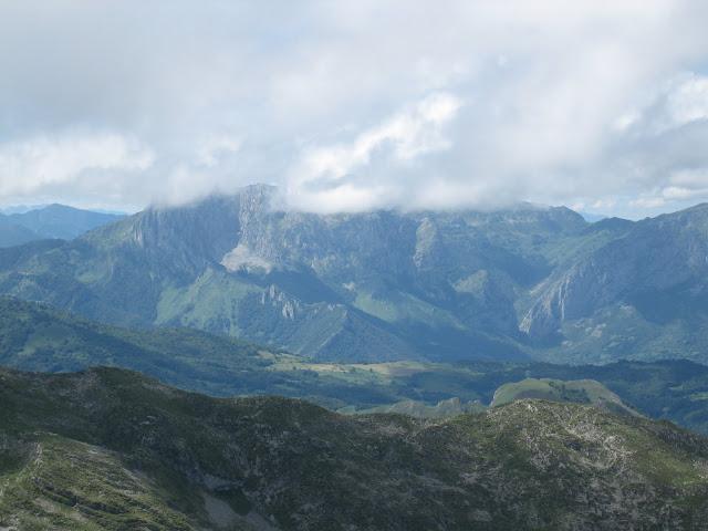 Rutas Montaña Asturias: Vista de Tiatordos desde el Canto Cabronero