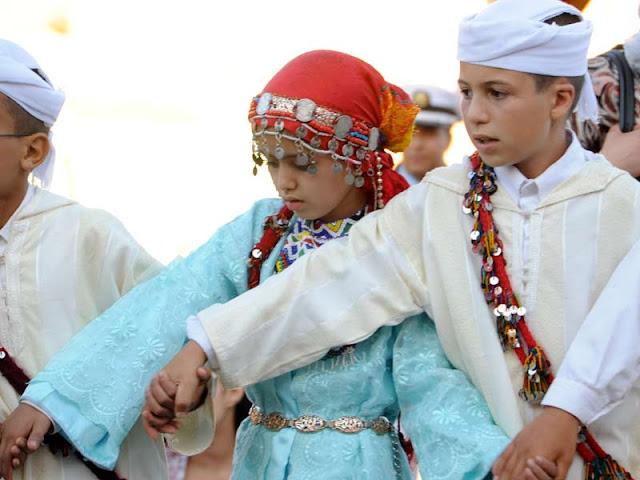 Desfile en el Festival de la Cereza en Sefrou (Marruecos)