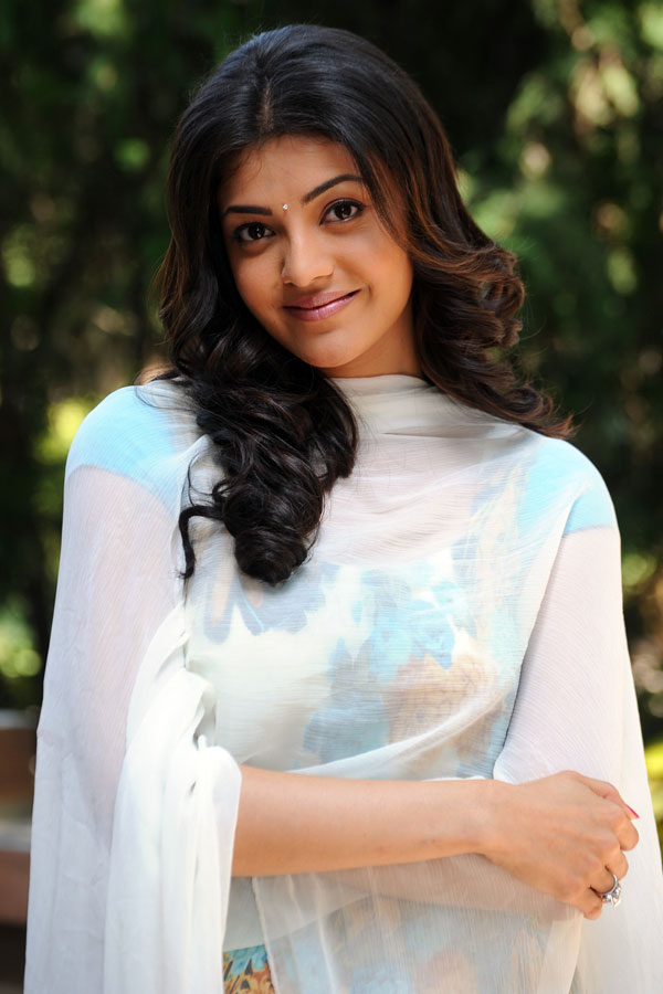 Kajal Agarwal Hot Looking Face Closeup Photos