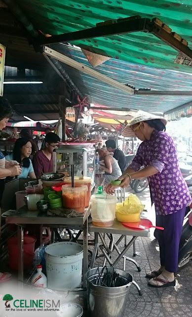 market in pham ngu lao