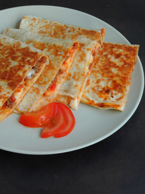 Pizza quesadillas, fusion quesadillas
