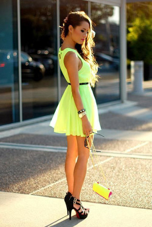 yellow dress with black shoes