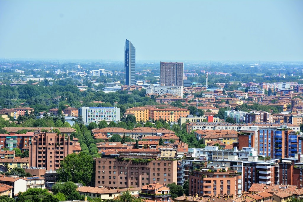 Asinelli Tower Bologna view
