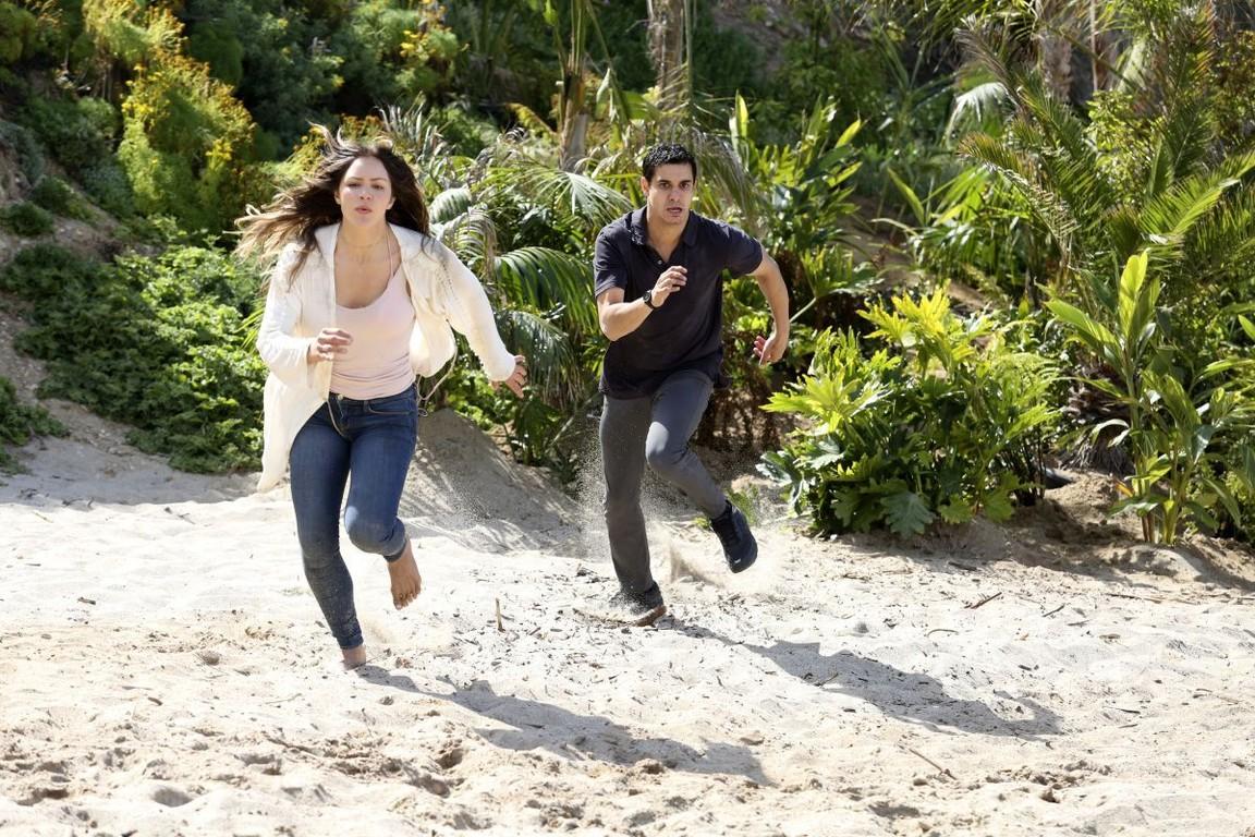 Scorpion - Season 3 Episode 25: Scorp Family Robinson