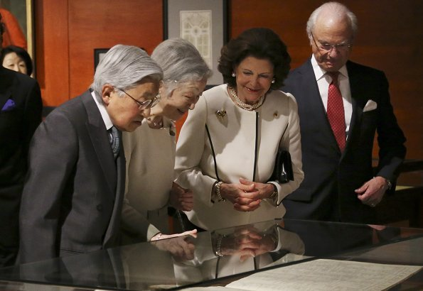 King Carl Gustaf, Queen Silvia of Sweden, Japan's Emperor Akihito and Empress Michiko visited Art of Natural Science exhibition at JP Tower Museum