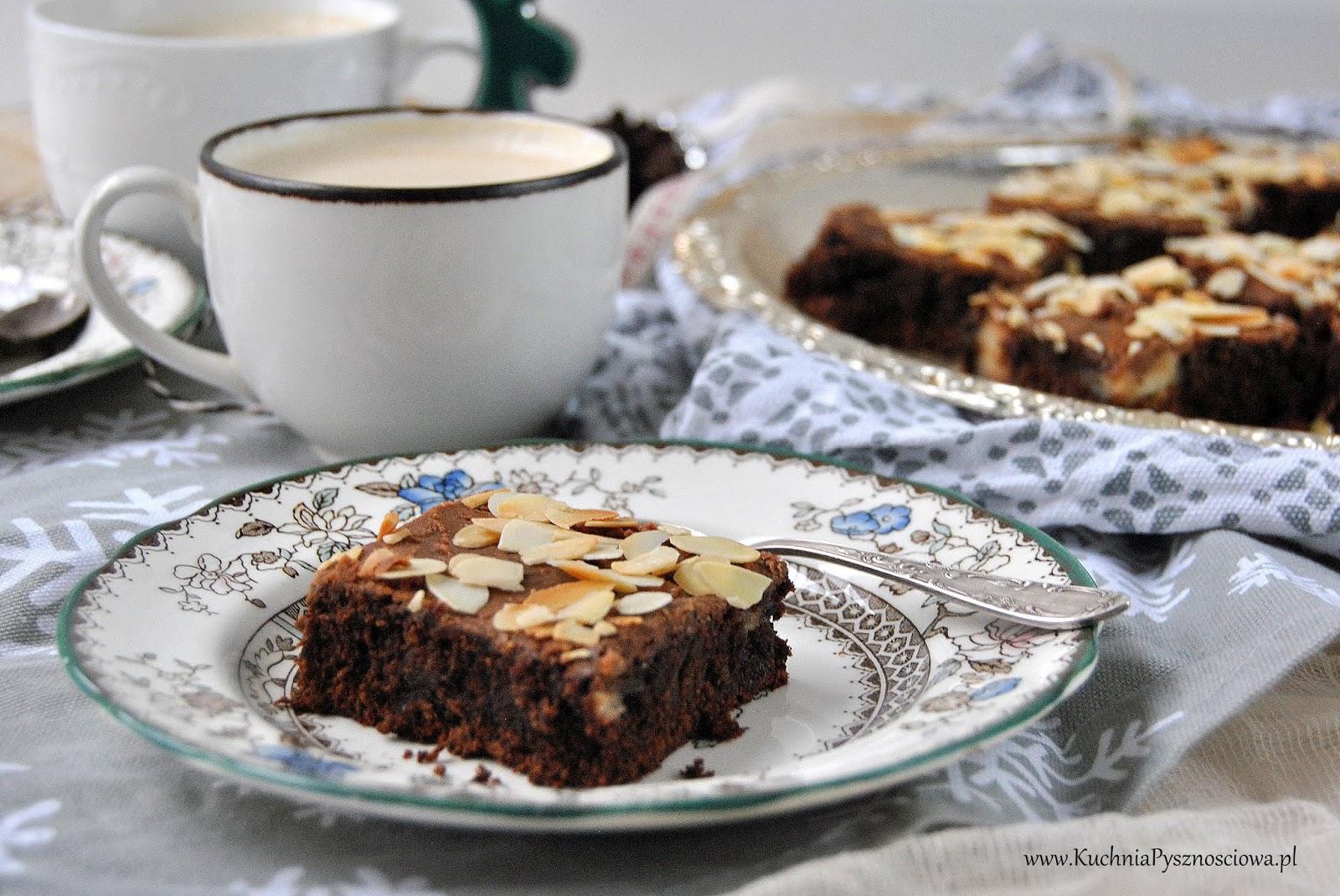 659. Świąteczne ciasto czekoladowe z makiem i marcepanem