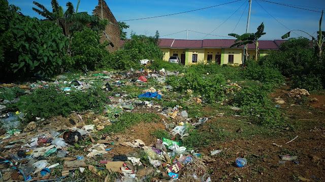Sampah Berserakan di BTN Seribu Bone, Warga Tanyakan Perhatian Pemerintah