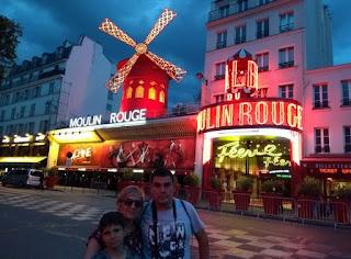Barrio Montmartre, el mítico Moulin Rouge.