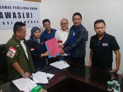Tim Paslon 1 dan 2 Resmi Laporkan Dugaan Politik Uang Arinal-Nunik ke Bawaslu