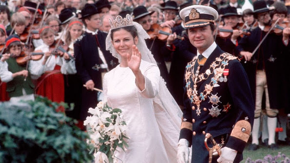 King Gustaf of Sweden and Queen Silvia of Sweden celebrate their 40th wedding anniversary.