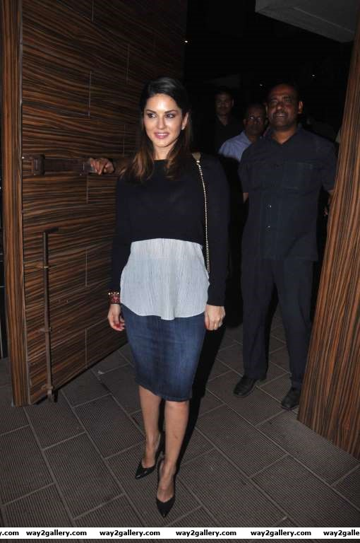 We spotted Sunny Leone at Aamir Khans house