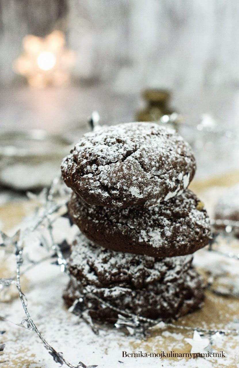 Ciastka czekoladowe z karmelkami