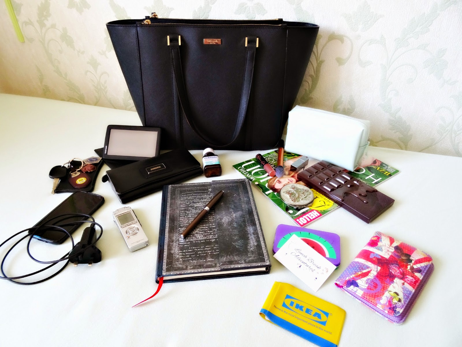 Whats in my handbag Kate Spade