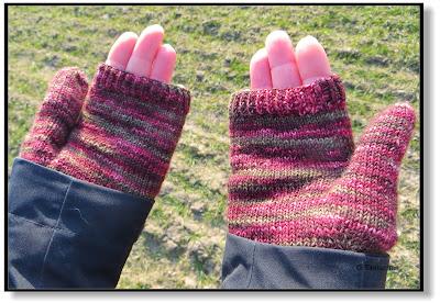 Handschuhe mit Mützchen