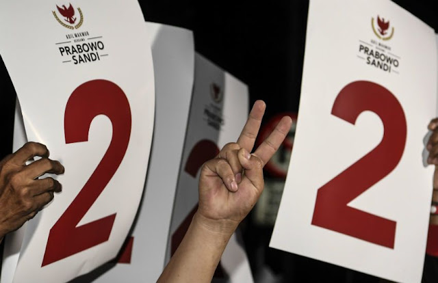 Puskaptis: <i>Swing Voters</i> Condong Pilih Prabowo - Sandi
