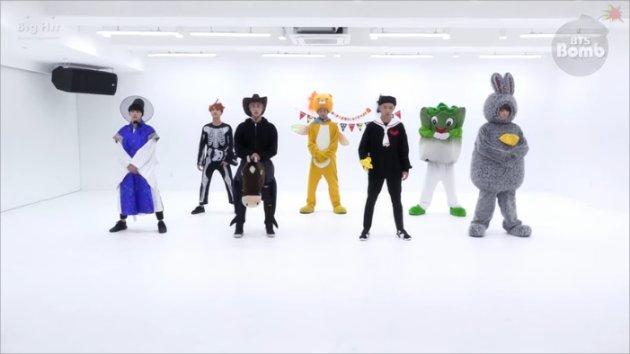 Sambut_Halloween_BTS_Cosplay_Saat_Dance_Practice