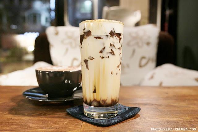 IMG 9579 - 啥!顛覆吧。沒有招牌的超神秘咖啡廳!超酷的黑糖expresso粉粿是深夜限定!