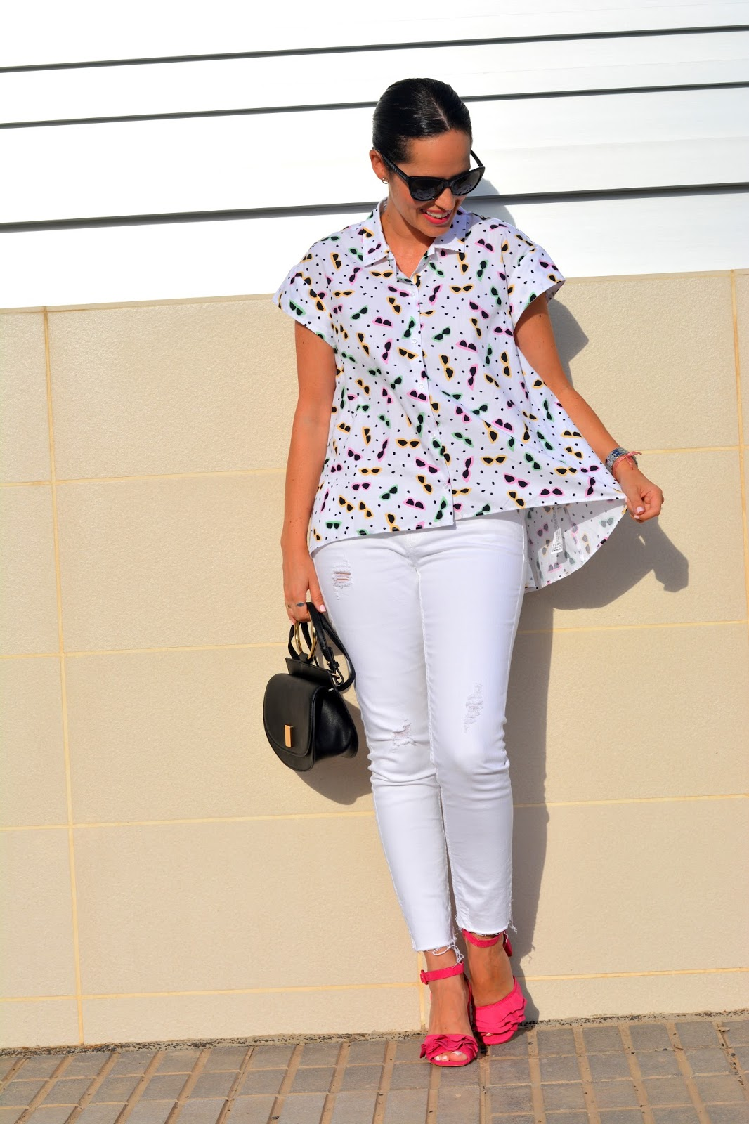zara-sunglasses-printed-shirt-outfit-daily-looks