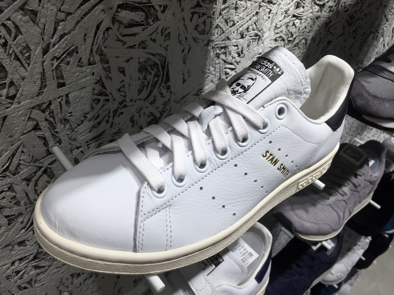 These adidas stan smith white black for men and women is in white color  with black heel. The simple but classic colorway is the favorite of  numerous people. fe61b3bd6