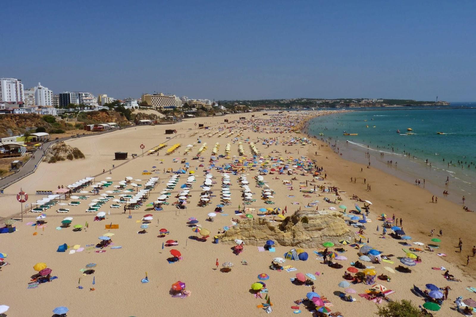 Praia da Rocha desde el mirador.