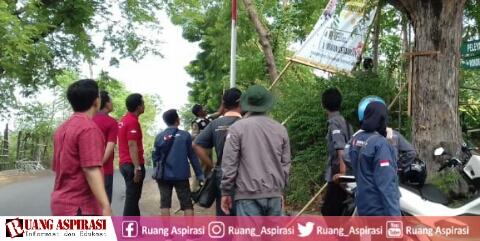 Penertiban BK dan APK Pemilu 2019 oleh Panwaslu Kapongan