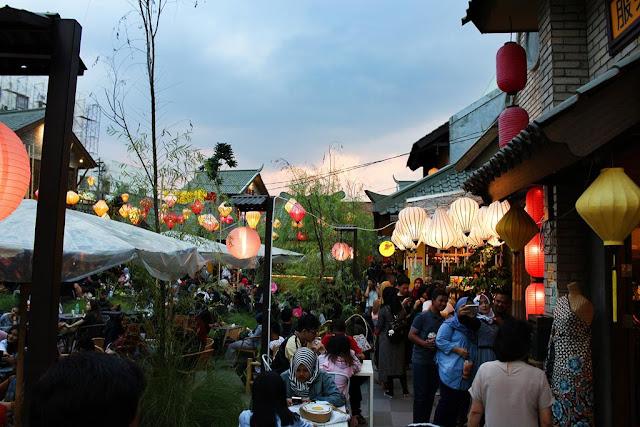 suasana chinatown bandung