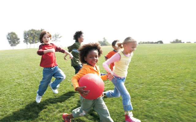 Crianças que praticam exercícios têm melhor desempenho escolar